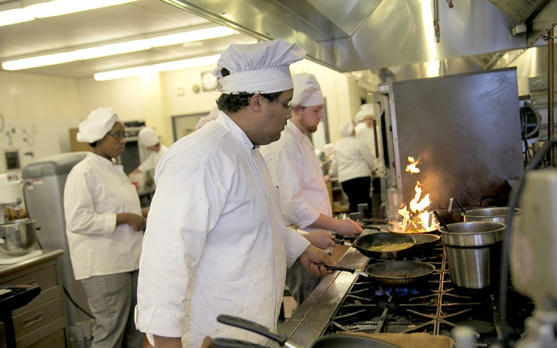 culinary students cooking